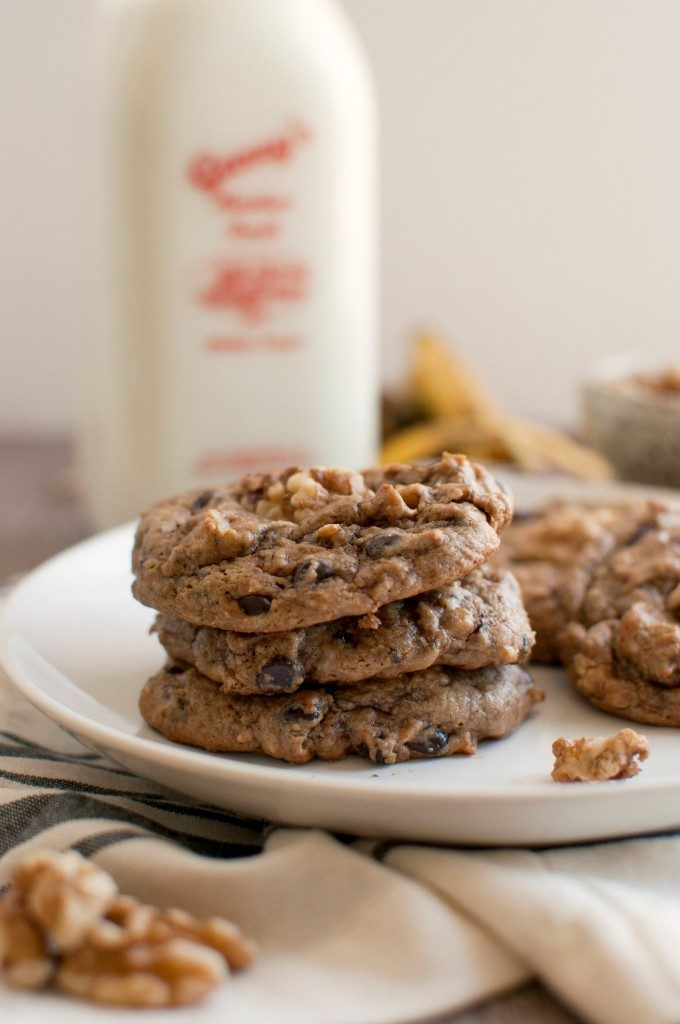 Easy Paleo Desserts--Flourless Chunky Monkey Cookies