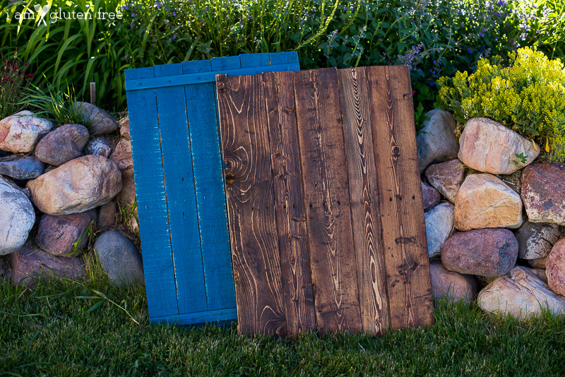 Step by step how to make wooden food photography backgrounds from a wood pallet